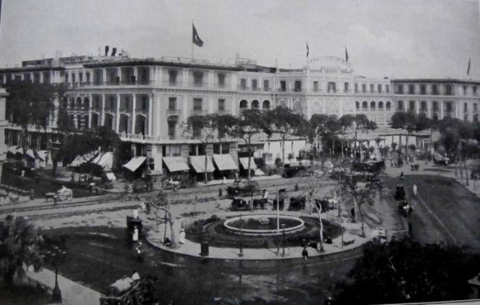 عمارة كونتننال وبها أقدم فنادق القاهرة-ميدان الاوبرا- باسكال سيباه