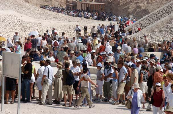 الزيارات للمقابر الجنائزية